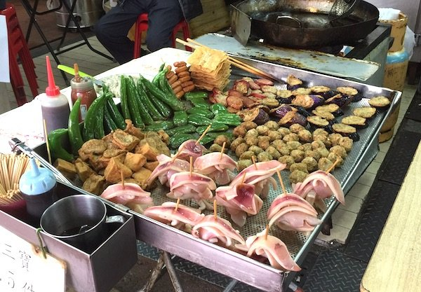 香港の屋台で気軽に食べられるB級グルメ、それが「小食」