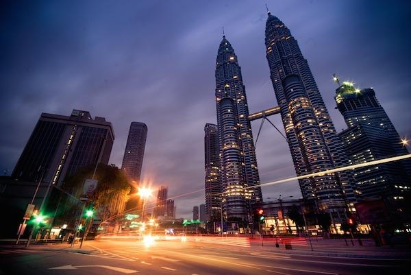 マレーシアで海外就職!現地採用として働くなら気になる仕事や給料相場