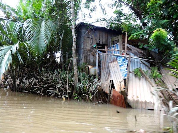 メコン川の水先案内人の家