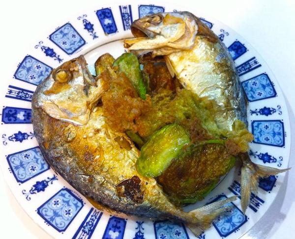 パートゥとカイマクァ(ナスの卵焼き)