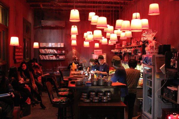 ベトナムのカフェチェーン店CONG CAPHEのおしゃれな内装