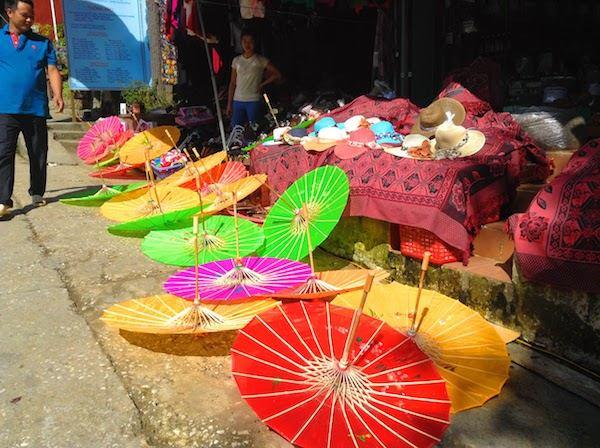 サパで売られている傘