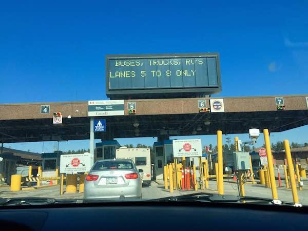 そうだ、カナダに行こう!陸路でアメリカとカナダ間の国境を越えてみた