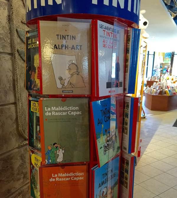 カナダにある英語とフランス語の本