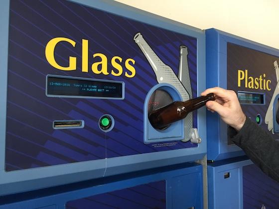 アメリカでは空瓶を換金