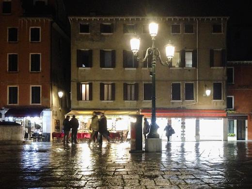 ヴェネツィアの古い町並み
