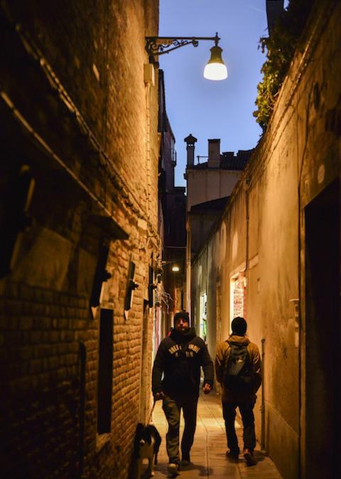 ヴェネツィアの裏路地