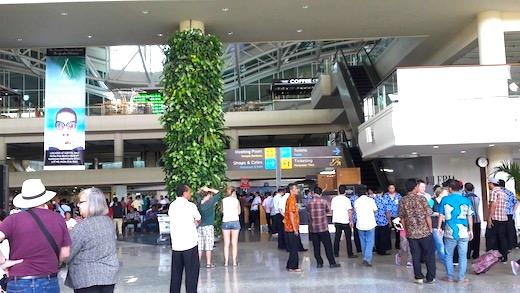 ングラライ国際空港からのアクセス