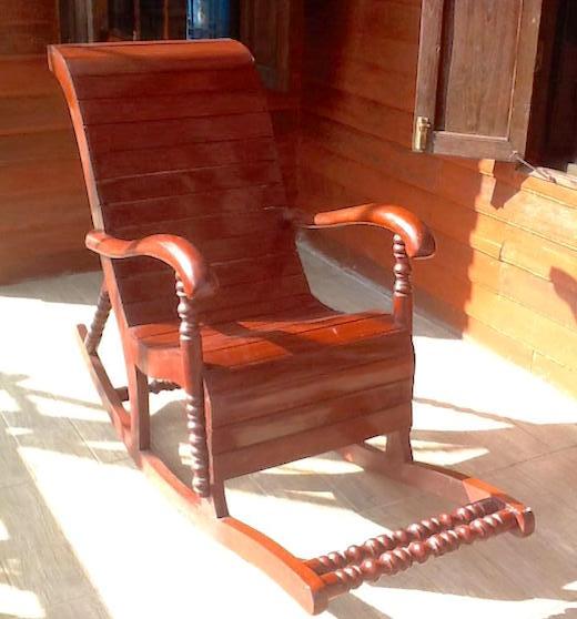 タイの椅子「ゴーイー」