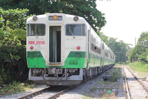 ヤンゴン環状線の車両