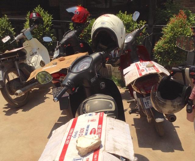 バイクのヘルメットが盗まれる