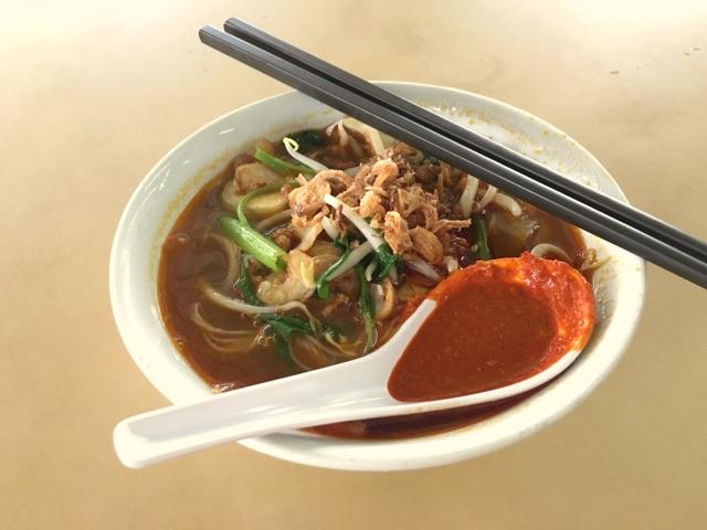 ビーフン入りのトムヤムスープ