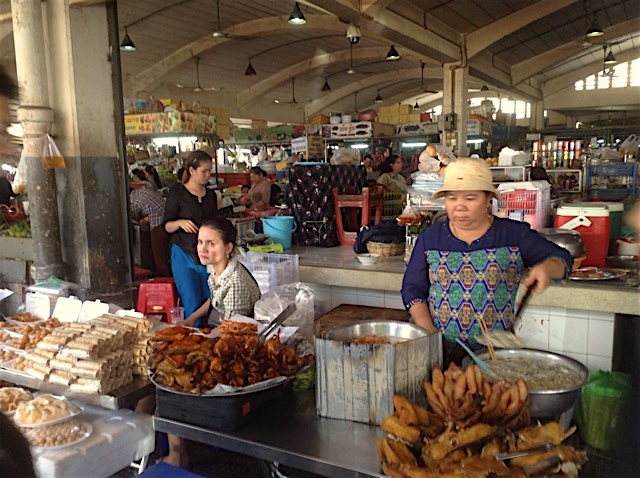 カンボジアの市場(プサー)