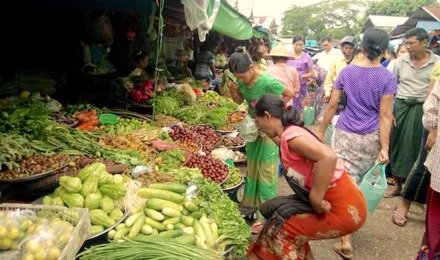 ミャンマーのローカル市場(ゼー)が面白い!地元市場ガイド