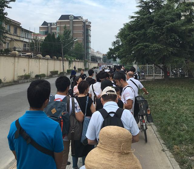 運動会前の行列