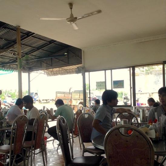 カンボジアのカフェ