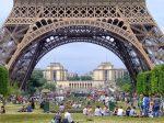 フランスのパリで働く!「なんとかなるさ」と家族を連れて海外就職に挑戦