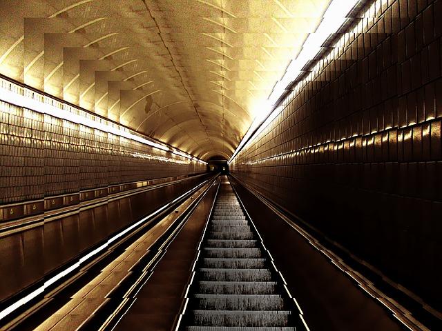 地下鉄(メトロ)