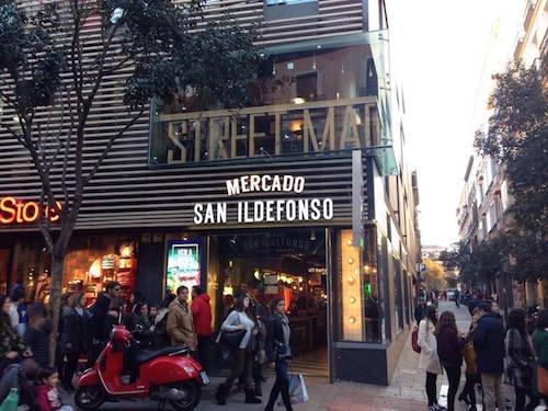 ストリートフードマーケットのMercado San Ildefonso