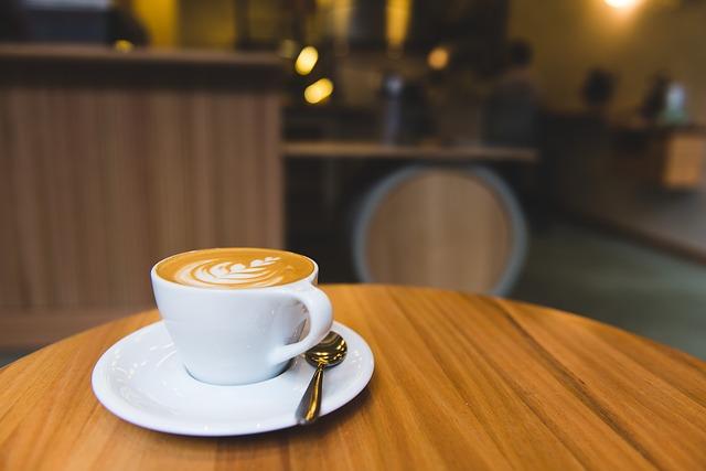 カフェに行く
