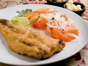 白身魚のフライ「メルルーサ・フリタ」