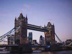 イギリスのロンドンの橋