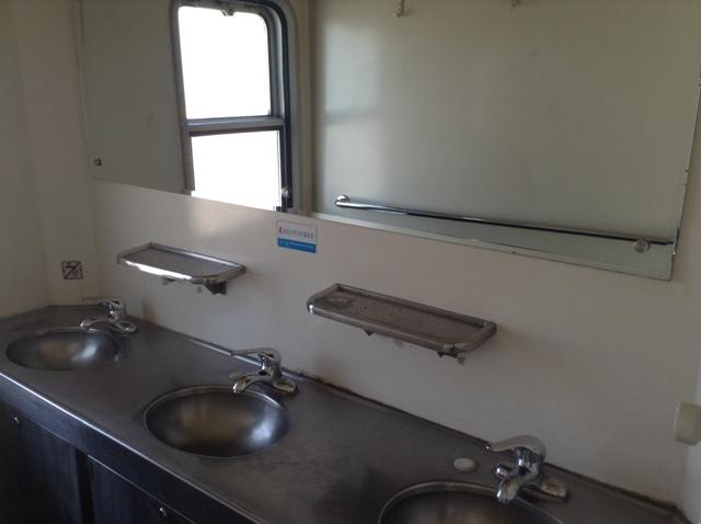 寝台列車の内装