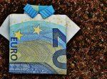 現金、それともクレジットカード?海外での支払い方法