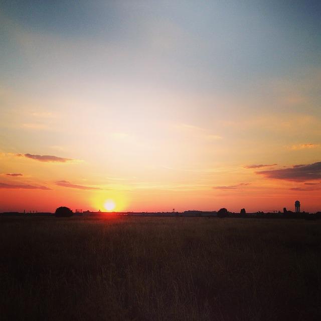 テンペルホーフ自由公園の夕日