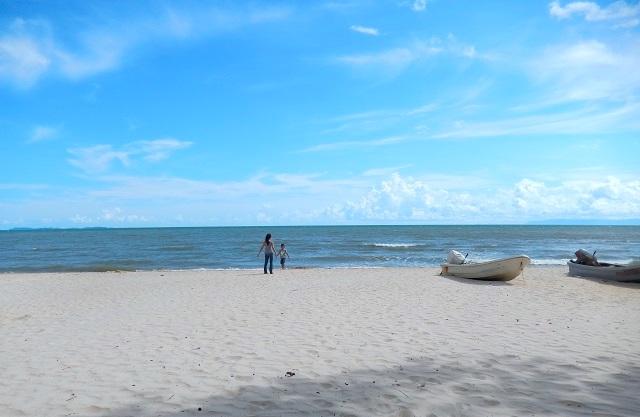 ケップの白い砂浜