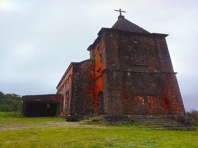 廃墟となった教会