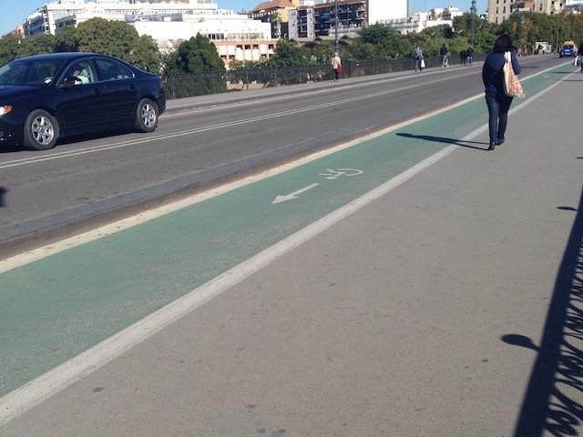 自転車用の道路