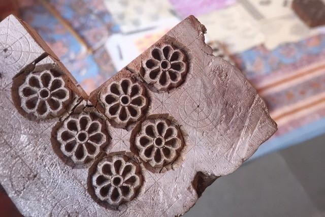 布地の模様となる木でできたスタンプ