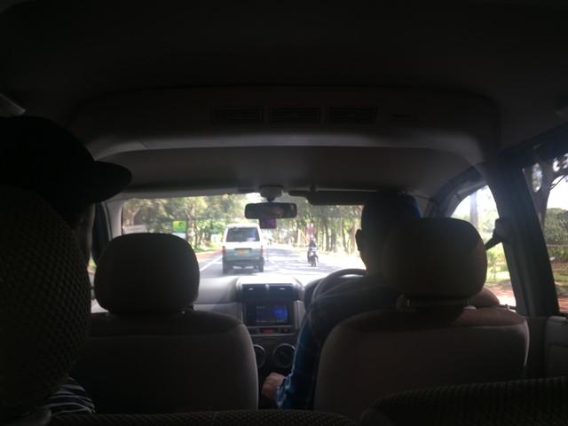 スリランカのツーリストカー
