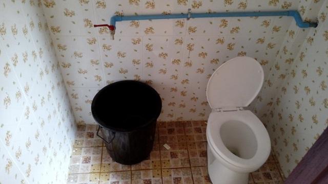 ラオスのトイレ