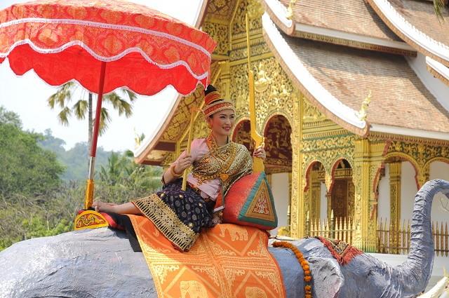 ルアンパバンで行われるパレード