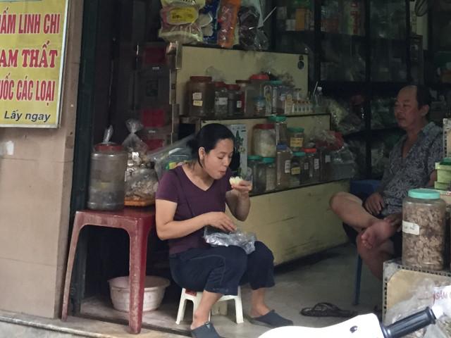 ベトナム人の間食