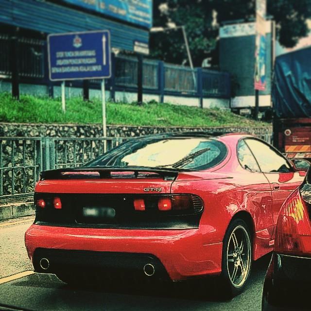 マレーシアの車