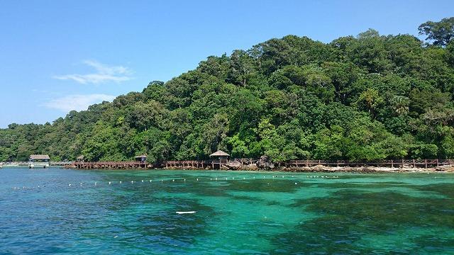 パヤ島の海