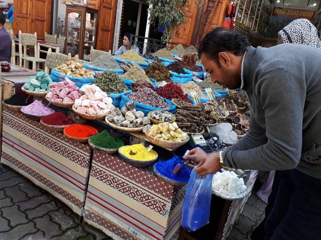 お店にいるモロッコ人