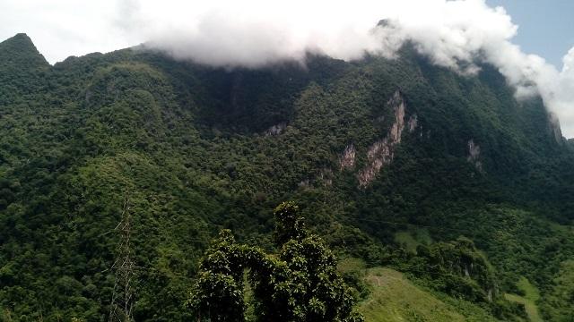 ラオスの山