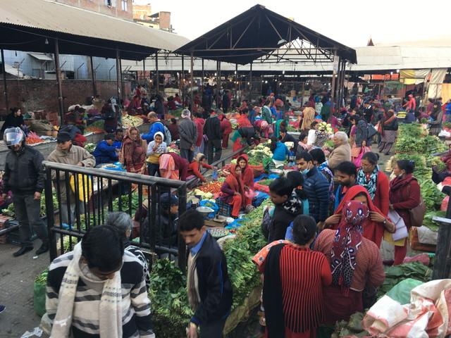 ネパールのローカル野菜市場