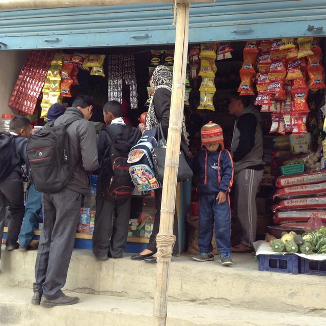 ネパールの「なんでも屋さん」