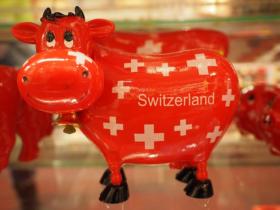 スイスの牛の置物