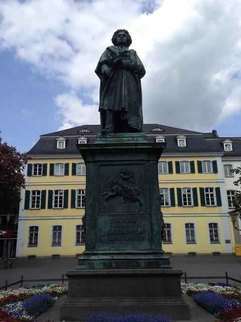 ベートーヴェンの銅像
