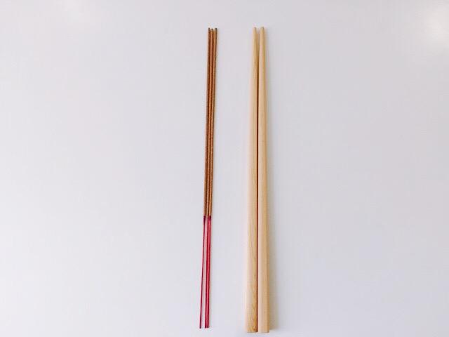 お線香と箸