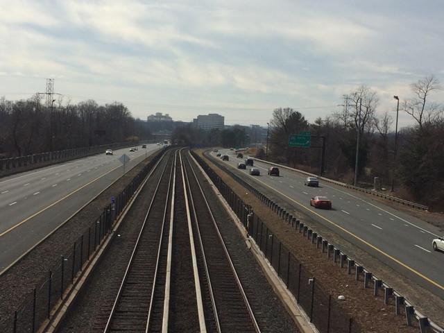 アメリカの道路と線路