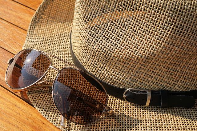 モロッコの帽子とメガネ