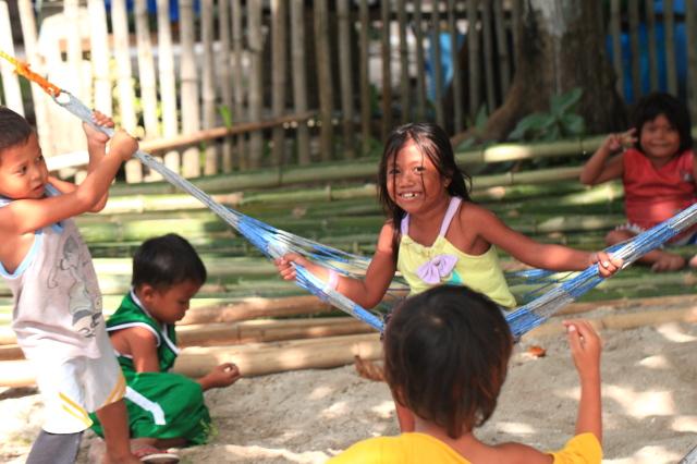 フィリピン人の子供