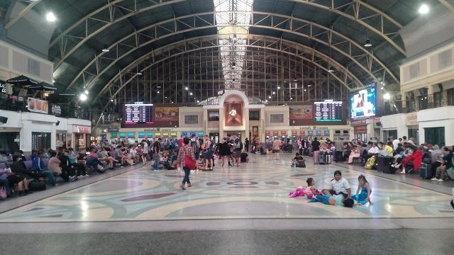 バンコク中央駅(ファランポーン駅)